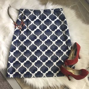 BODEN A LINE NAVY AND WHITE PRINT SKIRT